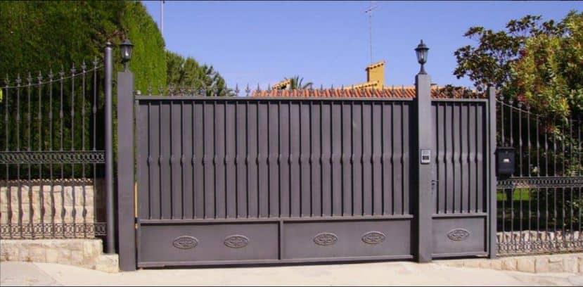 puerta entrada garaje metal